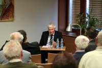 Dr. Karl Corino přednáší o mládí Roberta Musila v Brně.