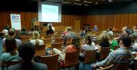 Přednášku Tomáše Dvořáka uvedl Adrian von Arburg za občanské sdružení Conditio humana