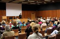 Přednáška amerického historika Benjamina Frommera přilákala do MZK asi 60 posluchačů.