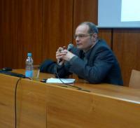 Mirek Němec v diskuzi s posluchači po přednášce